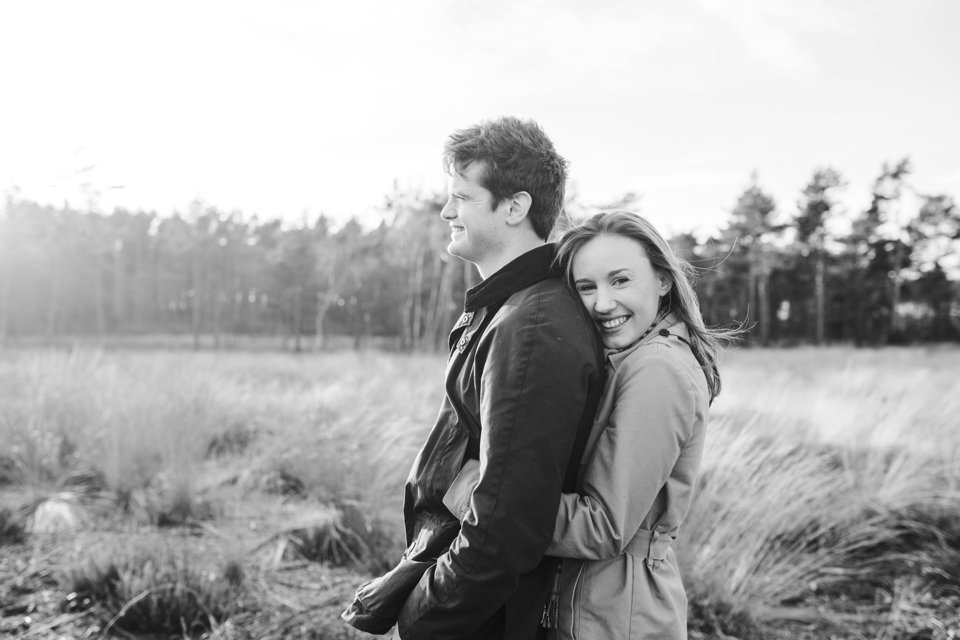 Norwich norfolk woodland engagement winter prewedding shoot with earth tones_beige mac and scarves_©tatum reid (11)