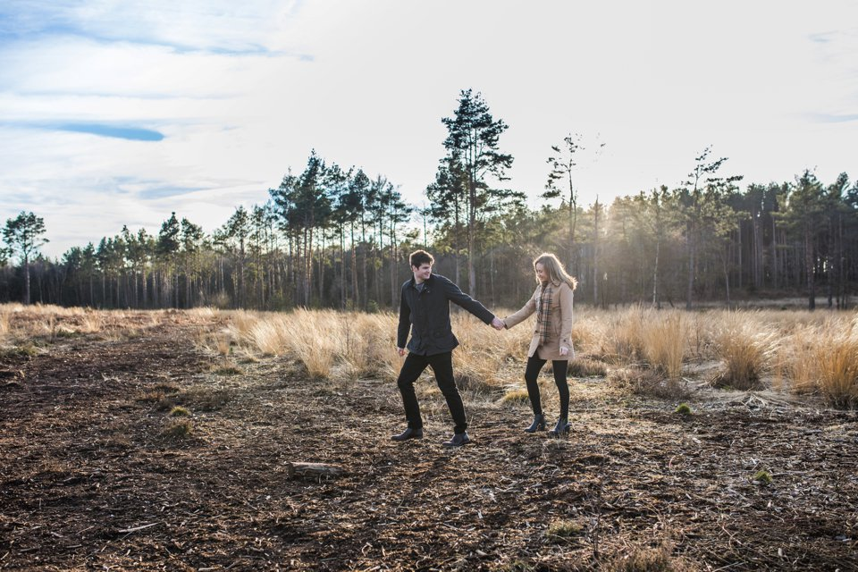 Norwich norfolk woodland engagement winter prewedding shoot with earth tones_beige mac and scarves_©tatum reid (9)