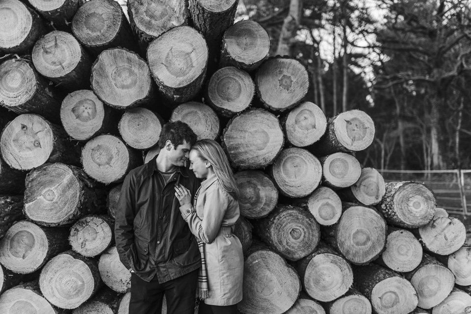 Norwich norfolk woodland engagement winter prewedding shoot with earth tones_beige mac and scarves_©tatum reid (2)